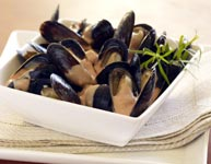 Mussels served with sauce using creme fraiche
